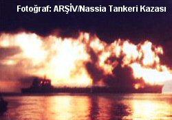 Çanakkale'de Tanker Yanıyor