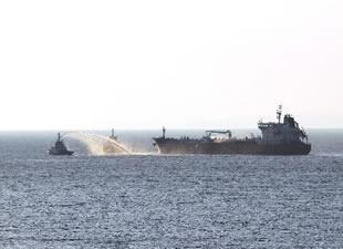 Çanakkale açıklarında yolcu gemisi ile tanker çatıştı