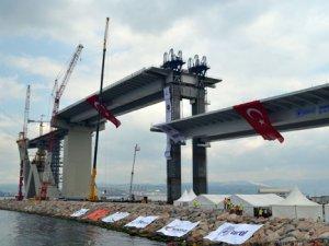 Körfez Köprüsü'nde 2 bin 600 tonluk rekor tabliye operasyonu tamam