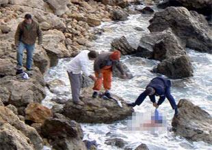 Göçmen teknesi Midilli yakınında battı