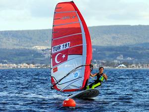 Milli sörfçü Dilara Uralp Rio Olimpiyatlarına hazır