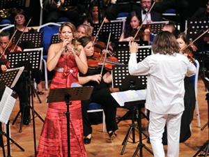 Sinema Senfoni Orkestrası, Solist Deniz Çevik eşliğinde Altın Çıpa'da sahne alıyor