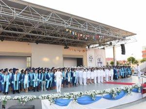 Dokuz Eylül Üniversitesi 201 denizci mezun verdi