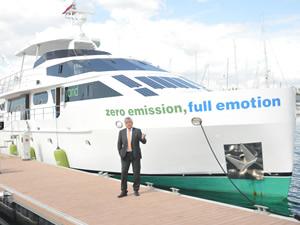 Türkiye'nin ilk hibrit teknesi BLUE MOON, görücüye çıktı