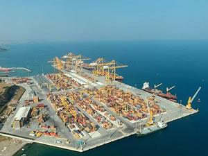 Dünyanın 12'nci büyük konteyner gemisi MSC NEWYORK, Asyaport Limanı'na yanaştı
