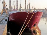 Voda Denizcilik'e ait M/V TEMPO isimli gemi, 22 gündür Valencia Limanı'nda bekletiliyor