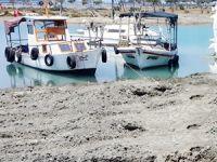 Balıkçı tekneleri için temizlik yapılıyor