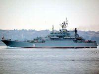 Rus askeri gemisi İstanbul Boğazı'ndan geçti