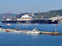 """Kablo döşeme gemisi """"Pioneering Spirit"""", Çanakkale Boğazı'ndan geçti"""