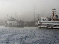 İstanbul'daki yoğun sis, vapur seferlerini olumsuz etkiledi