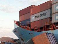 Konteyner gemisi, römorkör ve mavna ile çatıştı, 9 kişi kayıp
