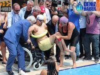 Adana'da engelli çocuklara yüzme eğitimi veriliyor