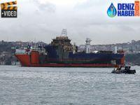 İstanbul Boğazı'ndan dev nakliye gemisi geçti