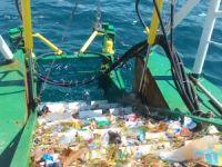"""""""Temiz Deniz"""" boğazdan iki yılda 142 ton atık topladı"""