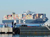 Dev konteyner gemisi MSC Aurora Çanakkale Boğazı'ndan geçti
