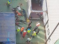 Gana'dan İspanya'ya giden gemide bir konteynerin içinde 16 kaçak yolcu bulundu