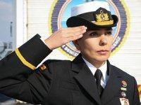 Sivil denizciydi, Türk ordusunun kadın neferi oldu