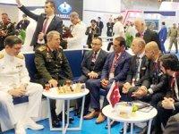 Metin Kalkavan, DIMDEX Fuarı'nda Hulusi Akar'ı ağırladı