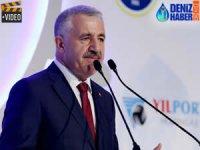 Ahmet Arslan, Uluslararası Denizcilik Zirvesi Gala Yemeği'ne katıldı