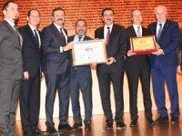 İMEAK DTO İzmir Şubesi, akreditasyon sertifikası aldı