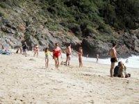 Alanya'da sahiller yabancı turistle doldu