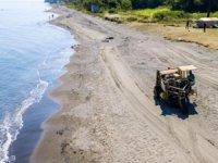 Ünye sahil şeridinde temizlik çalışması yapıldı