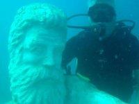 Su altındaki müzeye yeni heykeller batırıldı