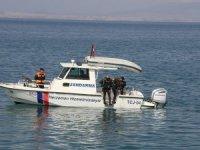 Van Gölü'nde ikinci balık türünü Mehmetçik buldu