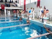 Adana'da yüzme yarışlarına 10 kulüpten 149 sporcu katıldı