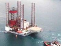 'GSP Saturn' isimli petrol platformu, İstanbul Boğazı'ndan geçti