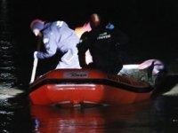 İzmir'de ördek avına çıkan avcıların kayığı battı: 2 ölü, 1 kayıp