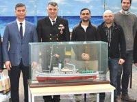 Öğrenciler, 'Nusret Mayın Gemisi'nin modelini inşa ediyor