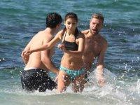 Alanya'da turistler, Şubat ayında deniz keyfi yaptı