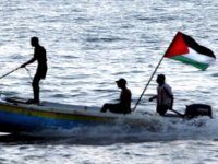 İsrail, Filistinli iki balıkçıyı gözaltına aldı