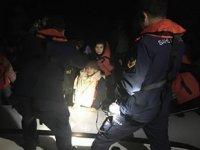 Dikili ve Kuşadası'nda 90 kaçak göçmen yakalandı