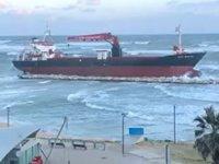 'Efe Murat' isimli Türk gemisi, İtalya'da karaya oturdu
