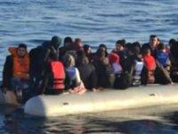 Tunus'ta 63 düzensiz göçmen kurtarıldı