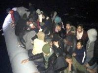 İzmir'de 56 kaçak göçmen yakalandı