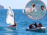 Antalya'da tatilciler denizin keyfini çıkardı