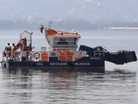 İzmit Körfezi'nden 1 yılda 400 ton çöp toplandı