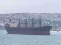 İstanbul Boğazı'nda pervanesi suya batmayan M/V IDIL isimli gemi, paniğe neden oldu