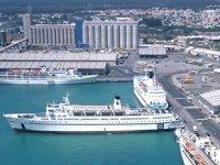 Limasol Limanı'nda 24 saatlik uyarı grevi yapıldı