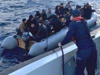 Sahil Güvenlik, 4 bin 640 göçmeni hayata bağladı