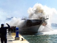 Çeşme'de gezi teknesinde yangın çıktı