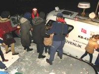 Ayvacık'ta motoru arızalanan teknedeki 19 göçmen kurtarıldı