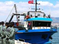 Türk balıkçı teknesindeki uyuşturucu operasyonunda 10 kişi tutuklandı
