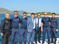 Kuşadası'nda asayiş ve güvenlik toplantısı Sahil Güvenlik botunda yapıldı