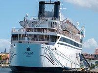 Karayipler'de yolcu gemisinde 300 kişi karantinaya alındı