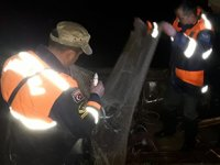 Van Gölü'nde saç tekne ve 500 kilogram inci kefali ele geçirildi