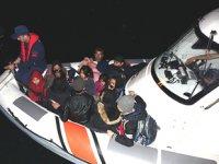 Ayvacık'ta 29 düzensiz göçmen yakalandı